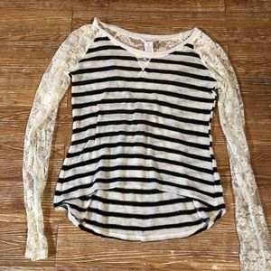 Striped Sweater Lace Sleeves, Back. Candies M